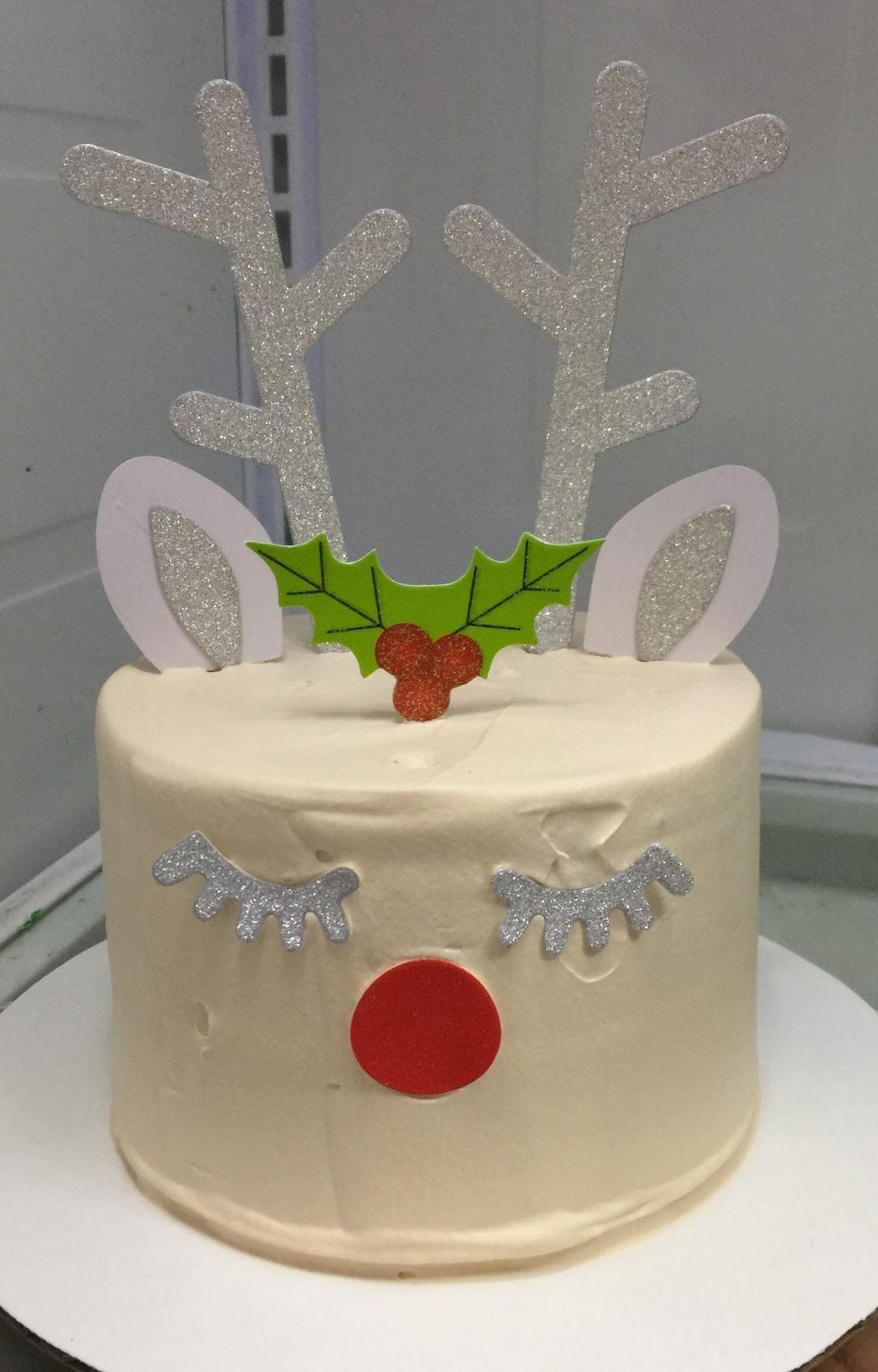 """""""Reindeer"""" Christmas Cake"""