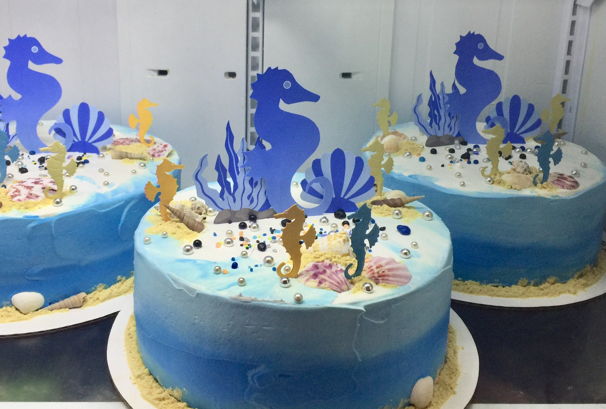 """Blue & Gold Seahorses Under The Sea"" Quinceanera Cakes"
